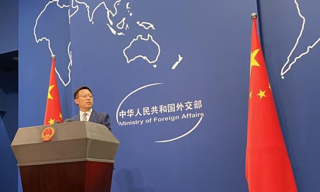 Porta-voz do ministério das Relações Exteriores, Zhao Lijian, durante entrevista coletiva