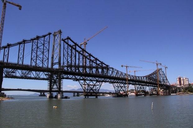 MPSC pede bloqueio de bens de oito pessoas e quatro empresas por obras da Ponte Hercílio Luz, em Florianópolis - Noticias