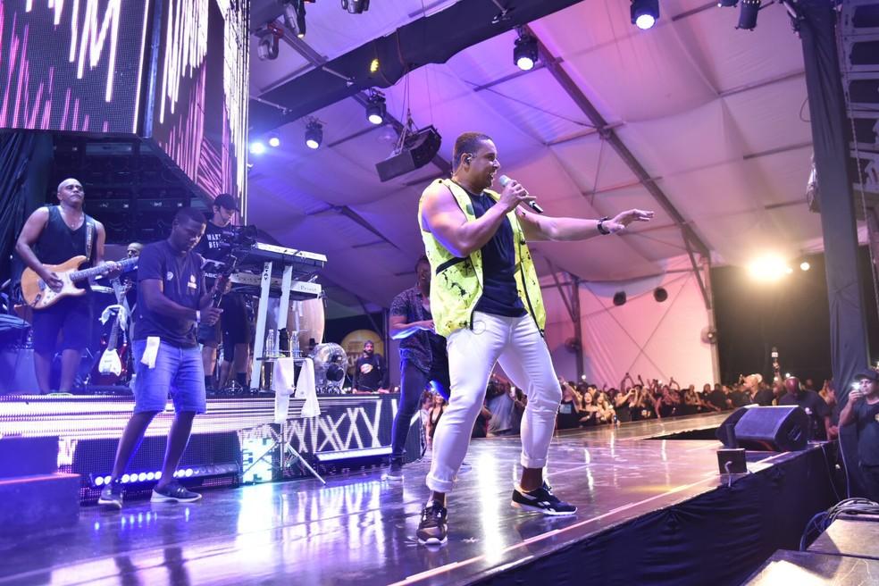 Harmonia do Samba substitui Sorriso Maroto em festa após