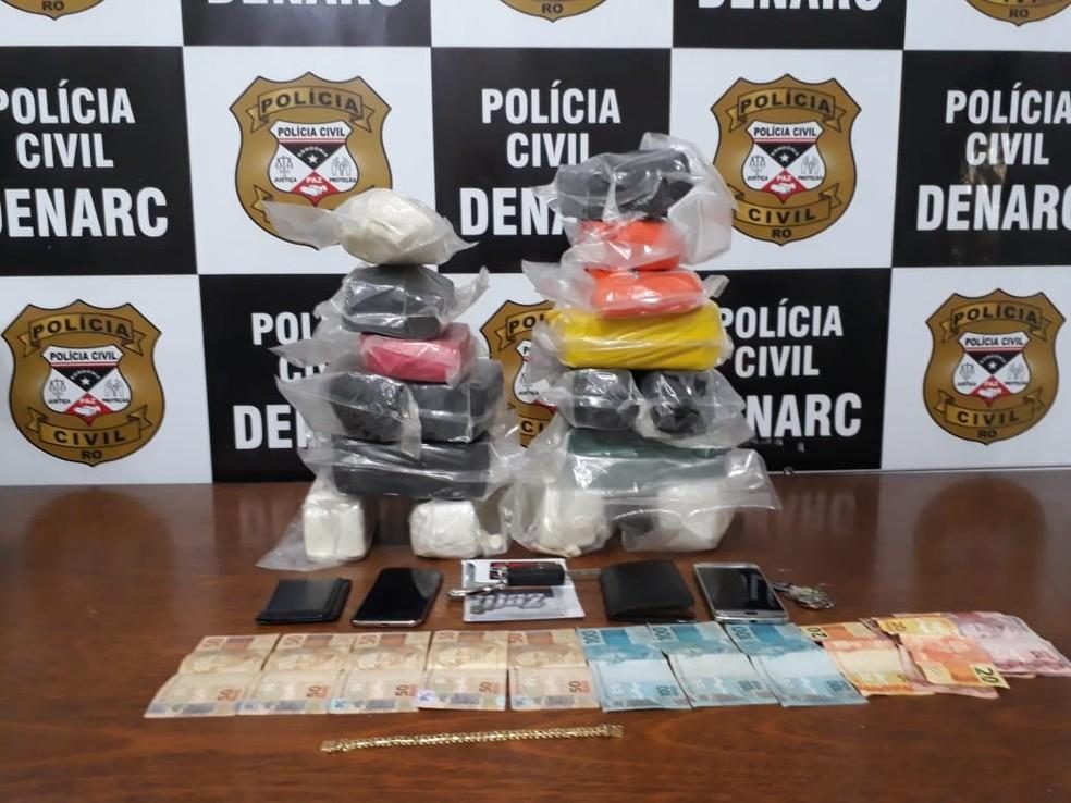 Droga foi apreendida dentro de carro em oficina de Porto Velho — Foto: Polícia Civil/Divulgação