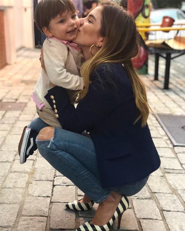 Bruna Hamú e o filho, Julio (Foto: Reprodução / Instagram)