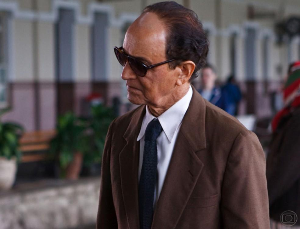 -  Nelson Xavier interpretou Chico Xavier em filme lançado em 2010  Foto: Reprodução/TV Globo