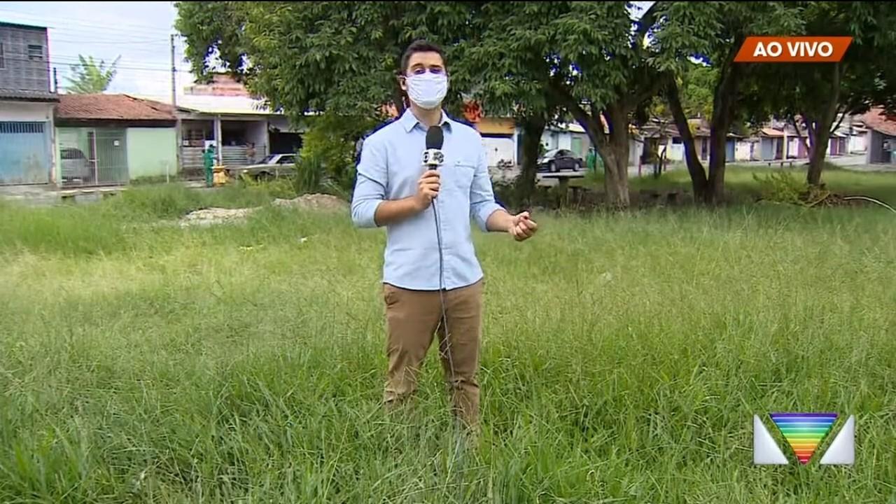 Moradores de Jacareí reclamam de mato alto em áreas públicas