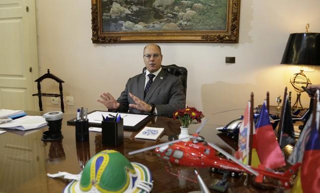 Wilson Witzel em seu gabinete