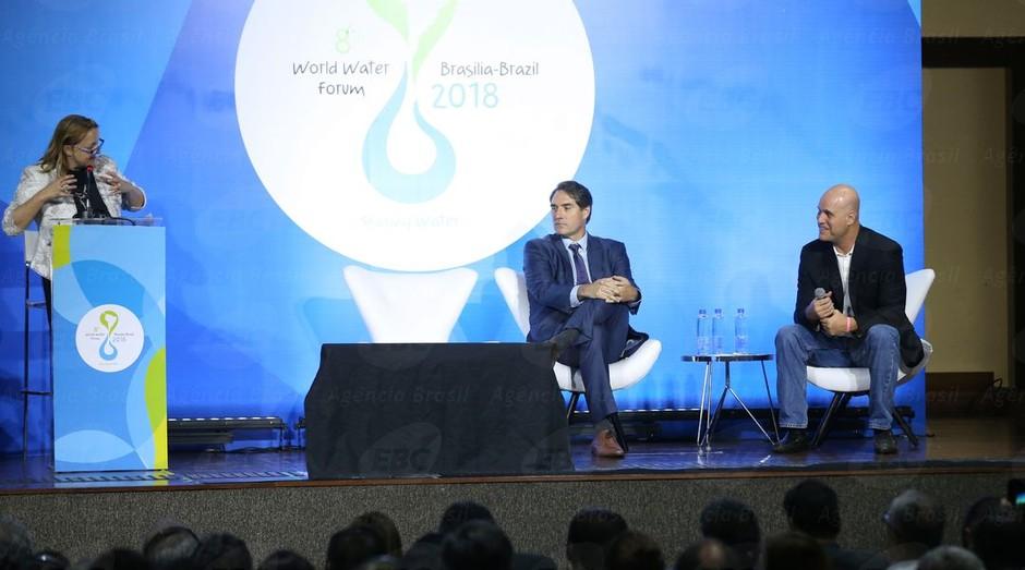 Debate sobre o compromisso brasileiro empresarial com a segurança hídrica, durante o 8º Fórum Mundial da Água (Foto: Valter Campanato/Agência Brasil)
