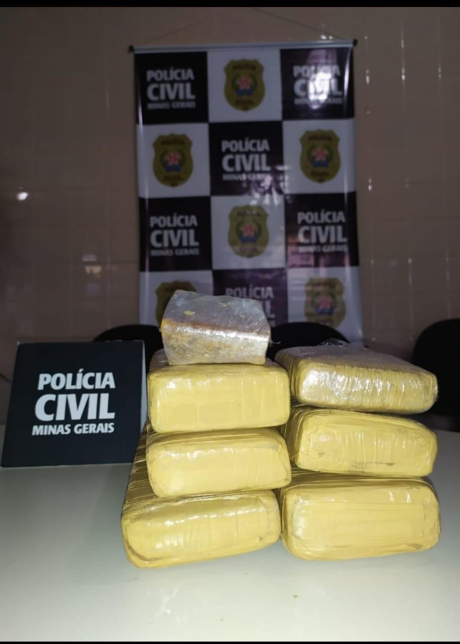 Polícia Civil apreende cerca de cinco quilos de maconha, em Januária