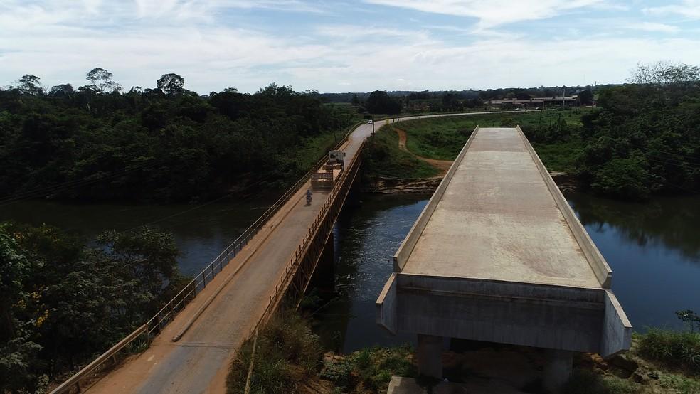 Cabeceiras da ponte ainda devem construídas na BR-421 em Ariquemes — Foto: Reprodução/Rede Amazônica