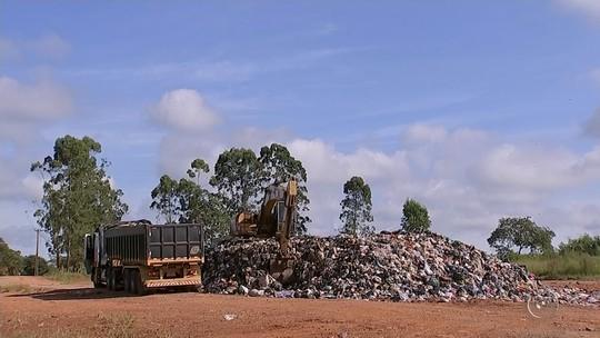 Após fim do prazo, lixão irregular continua sendo usado pela prefeitura