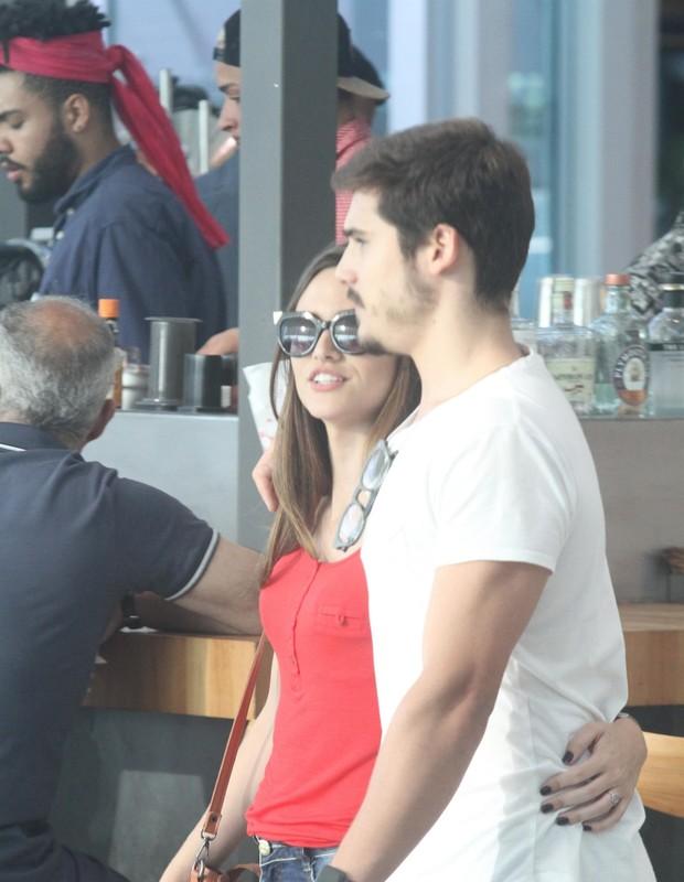 Juliana Paiva e Nicolas Prattes (Foto: Daniel Delmiro / AgNews)