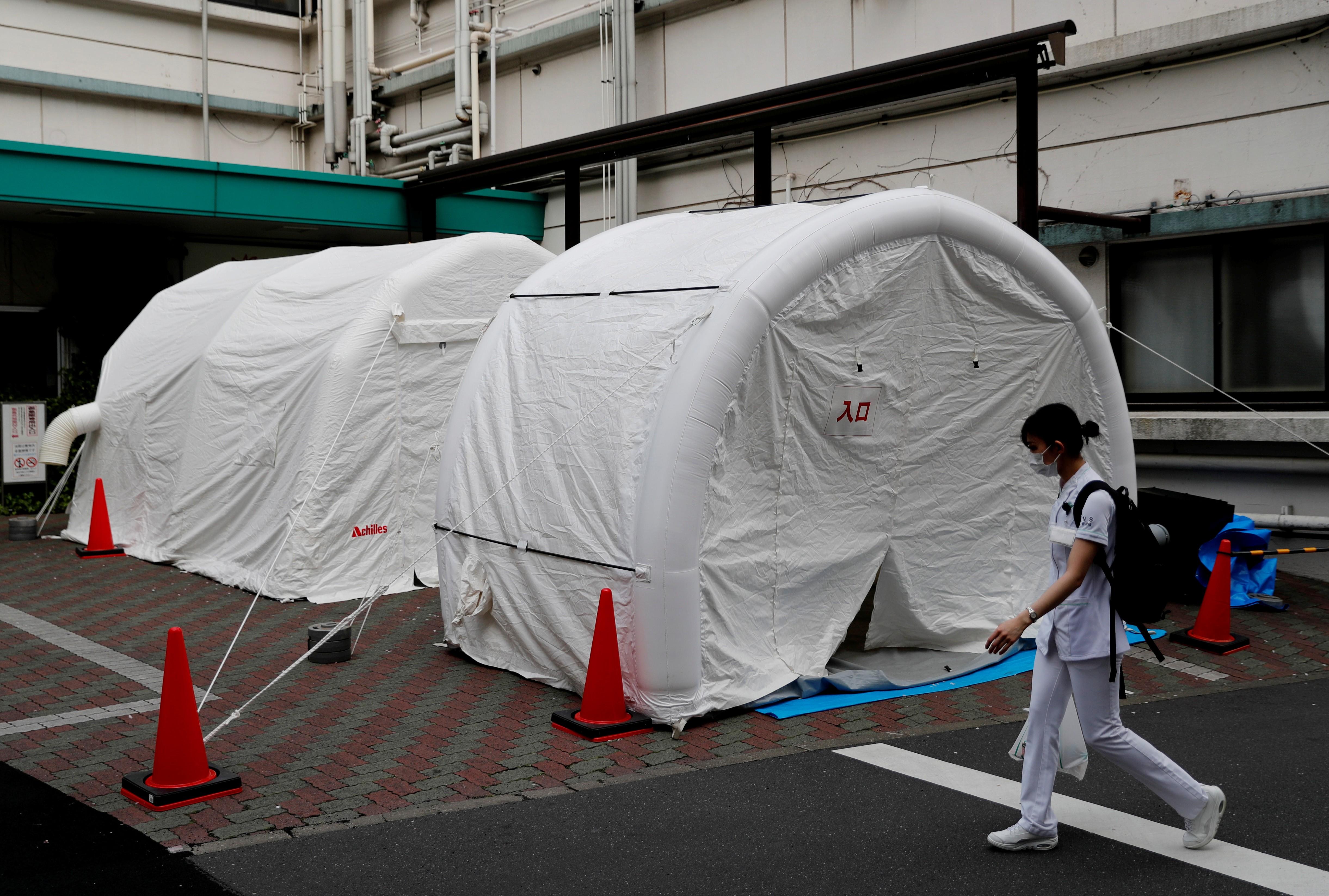 Médicos alertam sobre colapso de hospitais no Japão