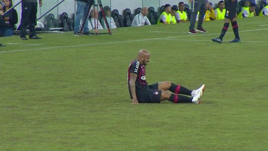 Thiago Heleno machuca o tornozelo e não enfrenta o Cruzeiro pelo Atlético-PR