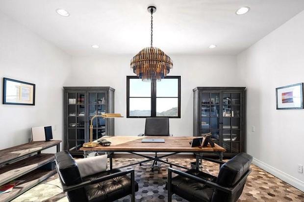 Após polêmica, Bella Thorne compra mansão isolada nas montanhas (Foto: Divulgação)
