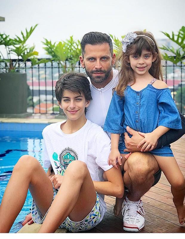 Henri Castelli e os filhos (Foto: Reprodução/Instagram)