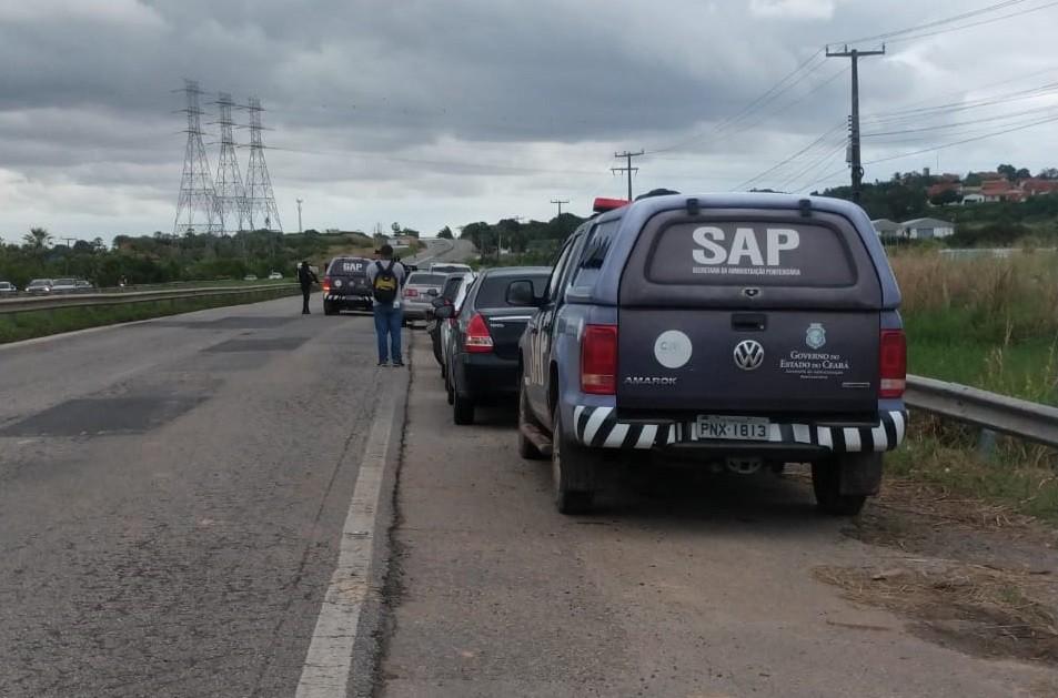 Policial é morta a tiros enquanto aguardava reboque de carro com problema na Grande Fortaleza