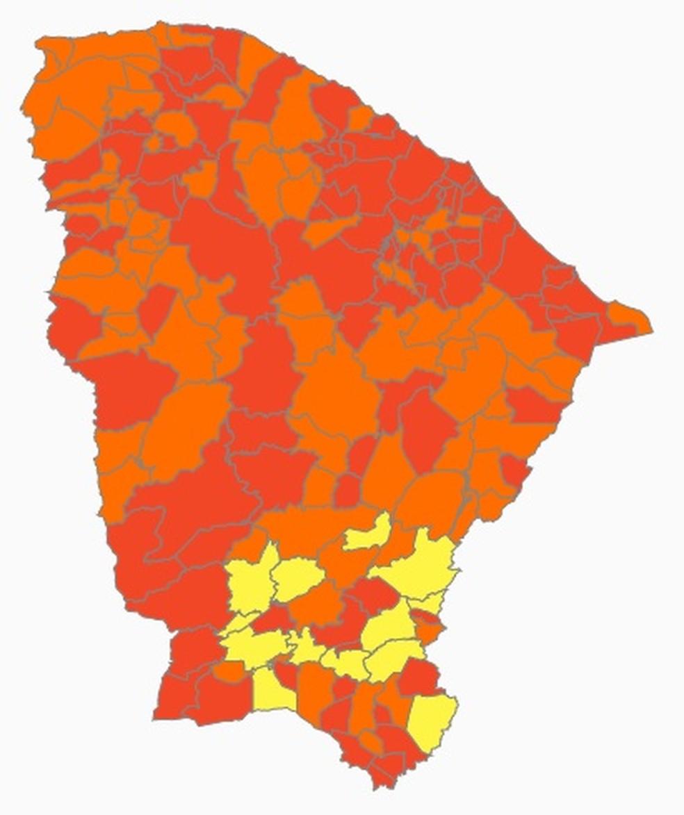 Mapa mostra que quase todo o Ceará tem risco de 'alto' (em laranja) ou 'altíssimo' (laranja escuro) para a Covid-19 — Foto: Reprodução