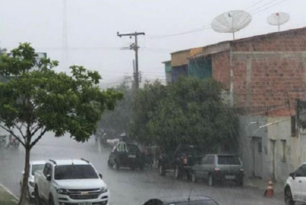Previsão para segunda-feira, é de de chuva no Cariri, no Sertão dos Inhamuns, na Ibiapaba e no Litoral. — Foto: Wilson Filho