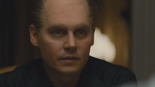 Johnny Depp careca e enrugado é aclamado com 'Black Mass'