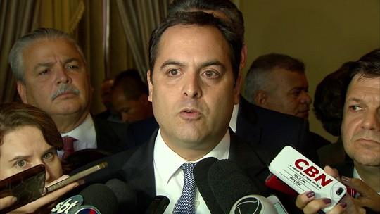 Indignado ao ser citado em delação, governador Paulo Câmara diz 'viver do salário de servidor público'