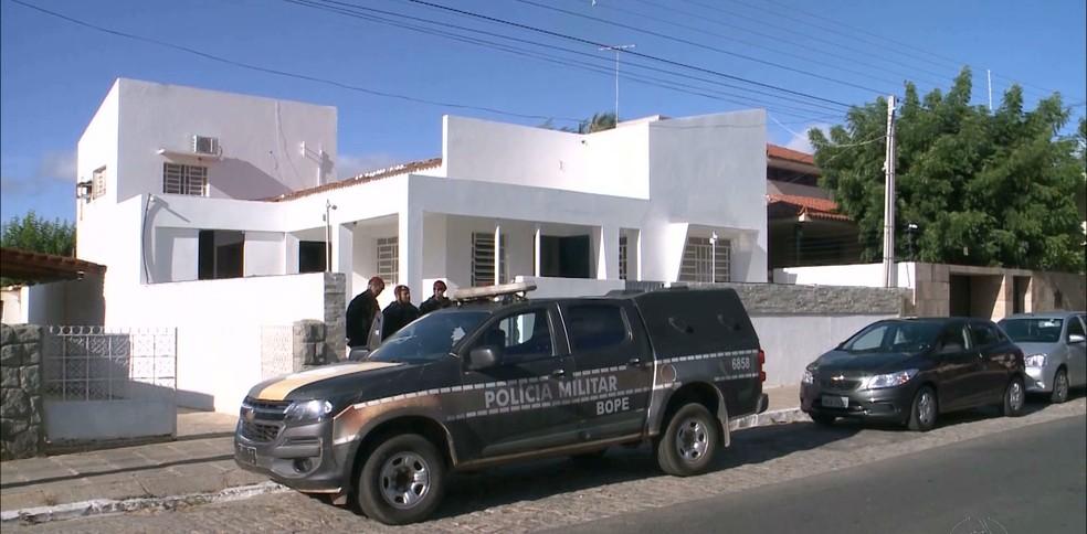 Operação Cidade Luz investiga contratos de iluminação pública em Patos e João Pessoa (Foto: Reprodução/TV Paraíba)