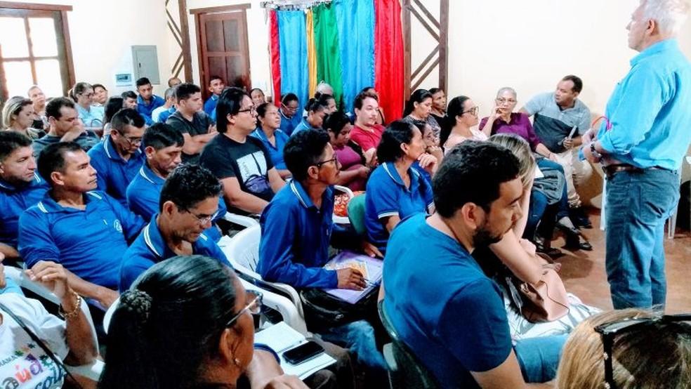 Agentes de saúde durante capacitação.  — Foto: Ascom HRBA/Divulgação