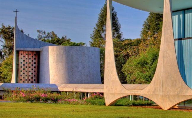 A capelinha nos jardins do Alvorada (Foto: Arquivo Google)