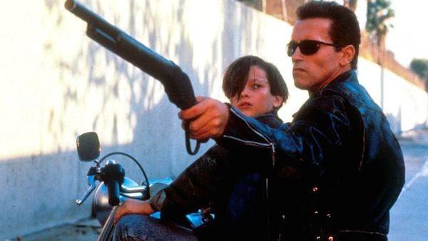 Arnold Schwarzenegger em cena de 'O Exterminador do Futuro 2' (Foto: Reprodução)