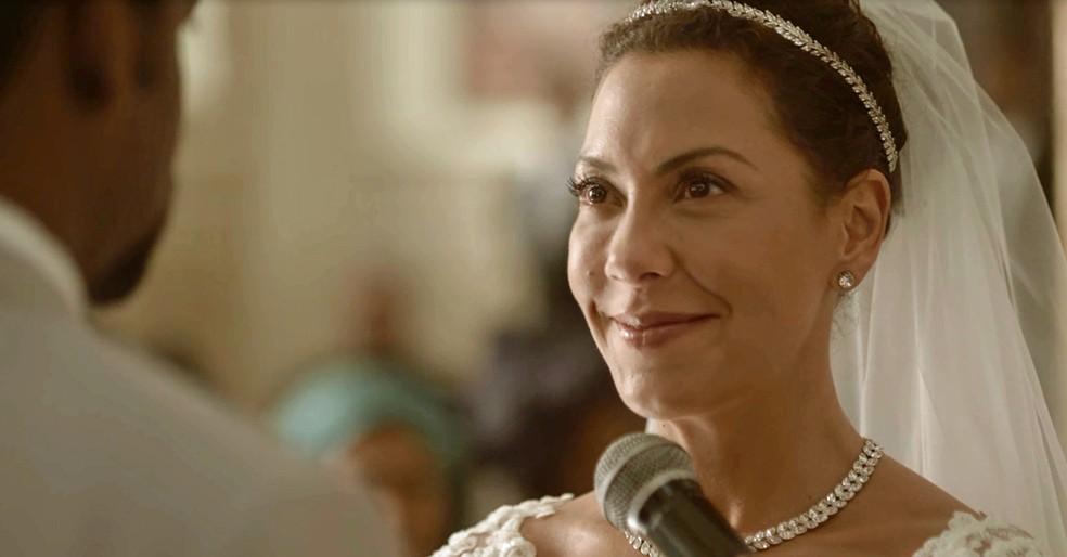 Cacau se emociona ao dizer 'sim' (Foto: TV Globo)