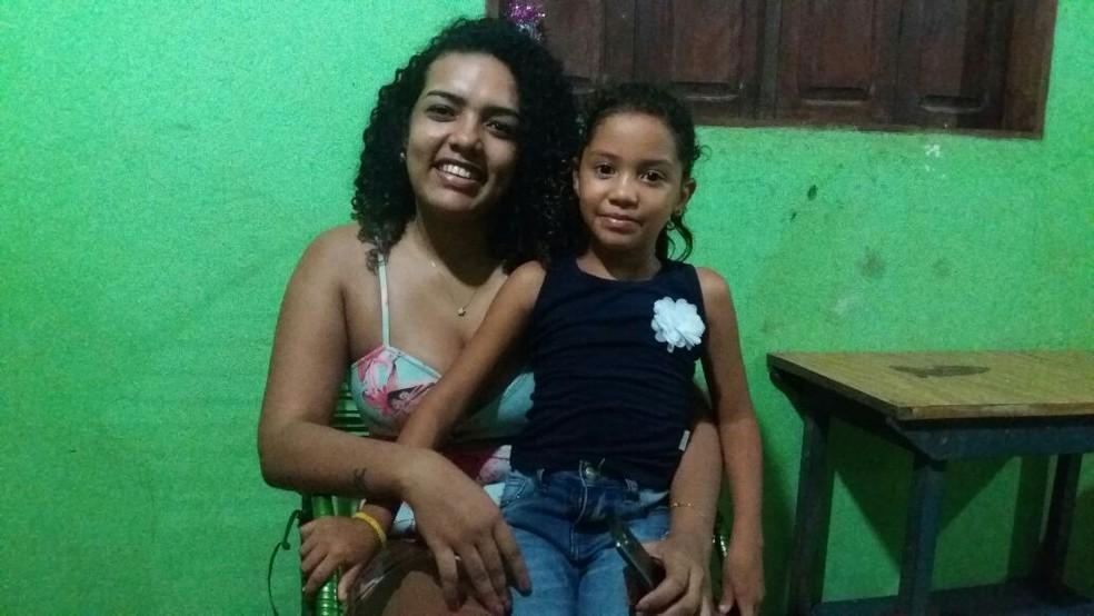 Thaís Monteiro organizou o aniversário da prima Rinah (Foto: Jorge Abreu/G1)