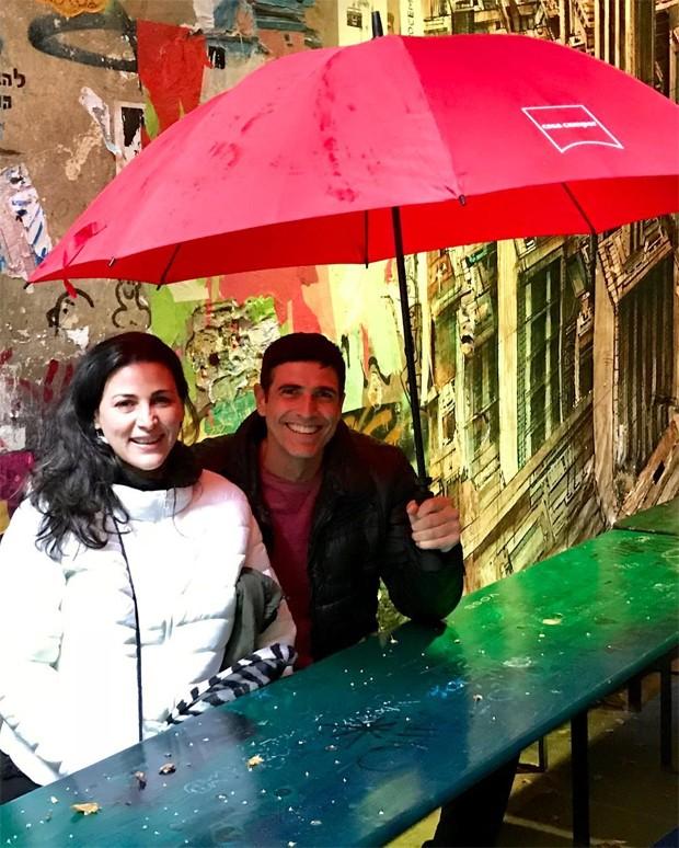 Reynaldo Gianecchini com amiga (Foto: Reprodução/Instagram)