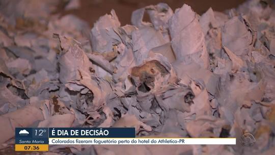 Foguetório é registrado em frente a hotel do Athletico durante madrugada em Porto Alegre