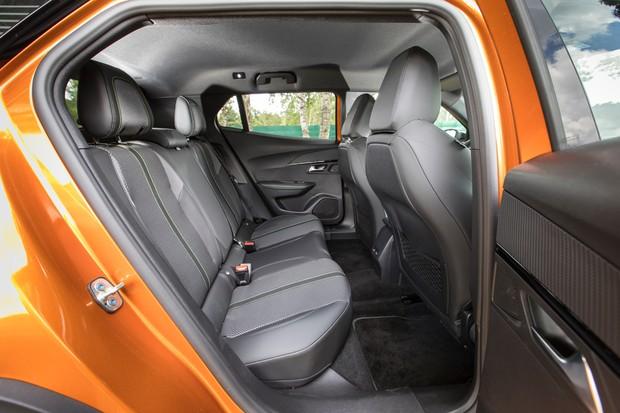 Espaço interno é comparável ao oferecido pelo Honda HR-V (Foto: Divulgação)