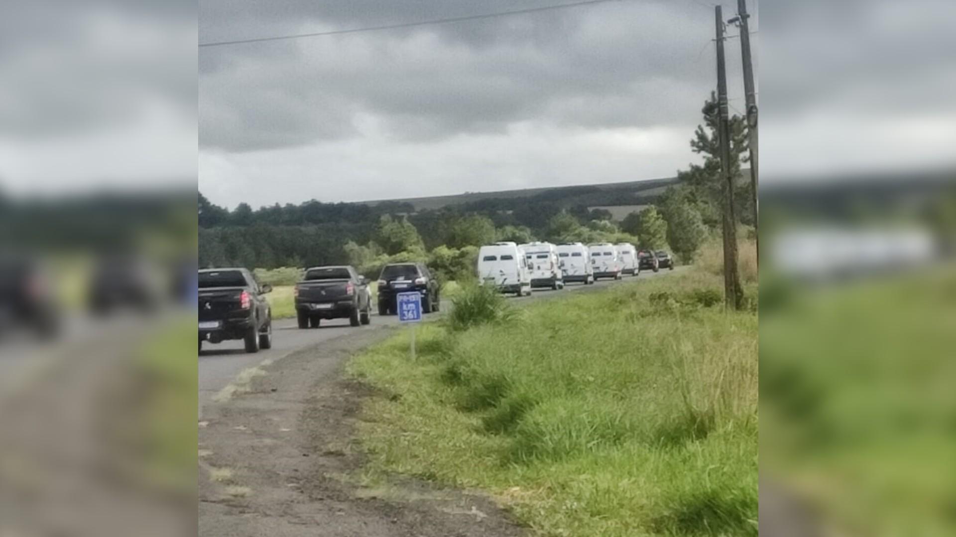 Presos da cadeia de Palmeira são transferidos para Ponta Grossa