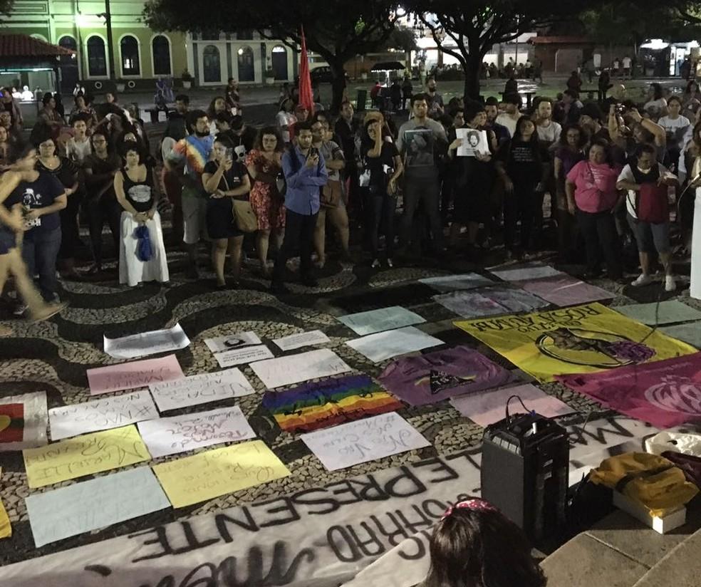 Manifestação no Largo São Sebastião (Foto: Larissa Holanda/Arquivo Pessoal)