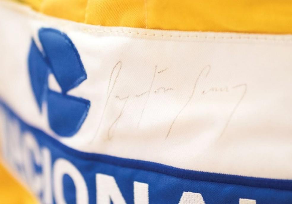 Assinatura Ayrton Senna Macacão (Foto: RM Sotherbys)
