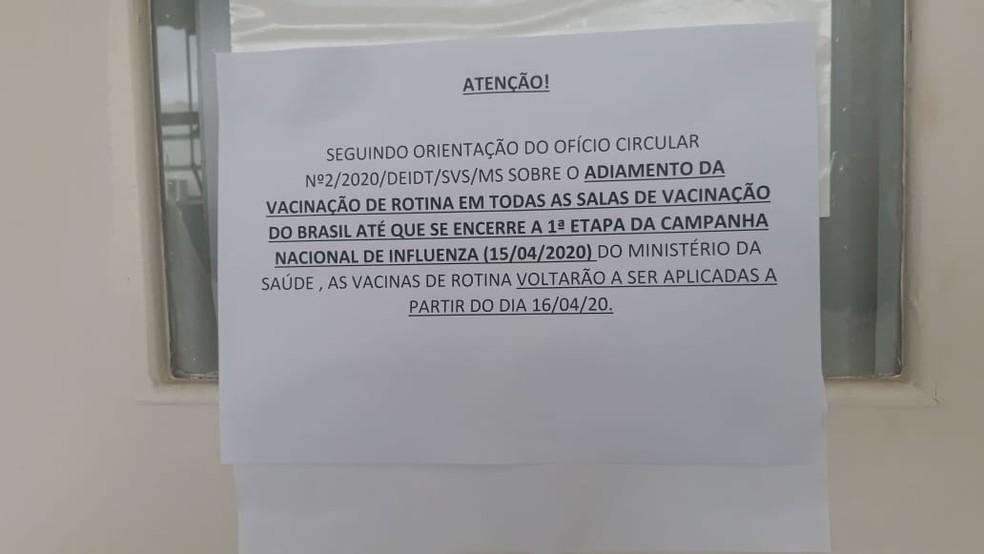 Aviso em posto de saúde da 514/515 Sul, em Brasília — Foto: Arquivo pessoal