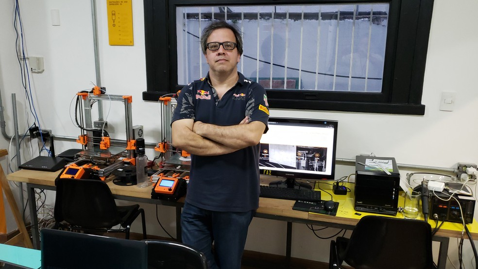Carlos Ribeiro é fundador do Faz Maker Space. Ele conheceu iniciativa nos EUA  — Foto: Humberto Trajano/G1