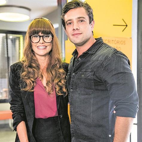 Deborah Secco e Rafael Cardoso em 'Salve-se quem puder' (Foto: TV Globo)
