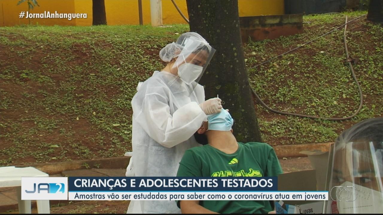Crianças e adolescentes podem fazer teste para Covid-19 de graça em drive-thru de Goiânia