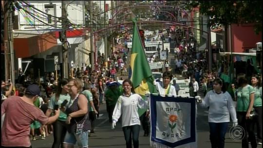 Desfile cívico é promovido em Avaré