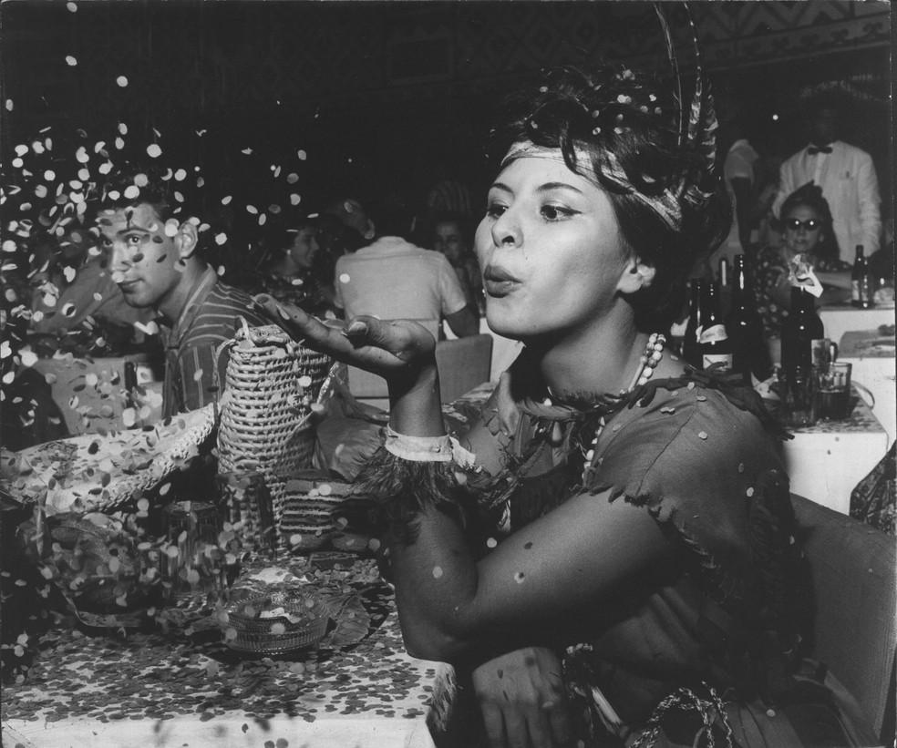 Festa de carnaval em São Paulo em 1961 — Foto: Estadão Conteúdo/Arquivo