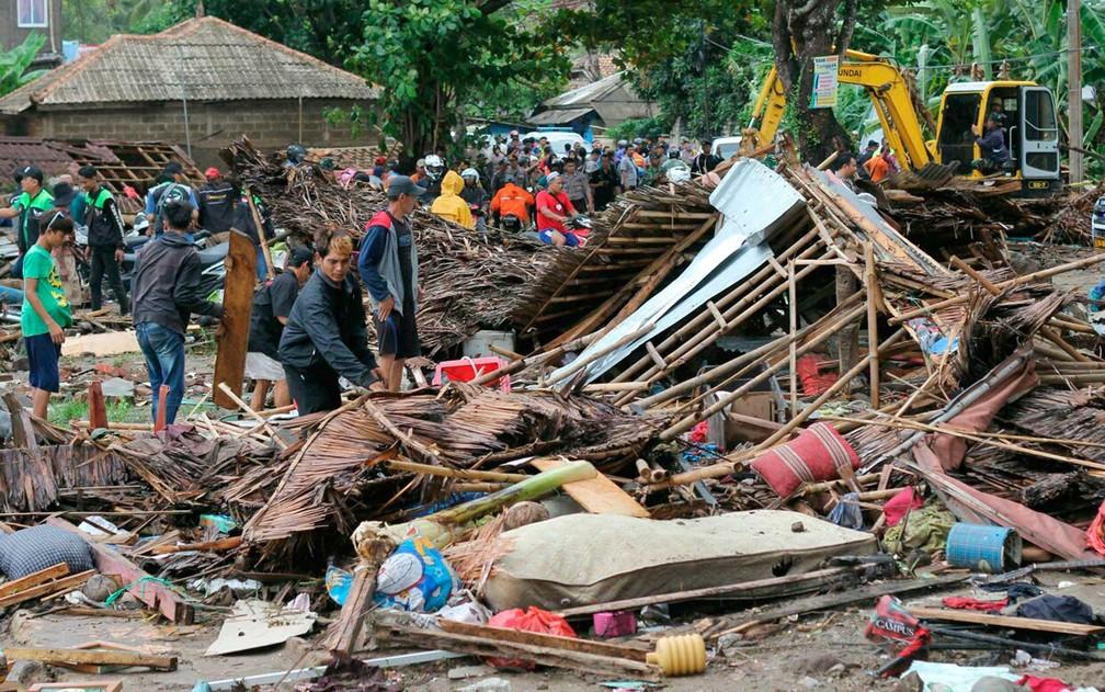Destruição em Carita, Indonésia — Foto: AP Photo