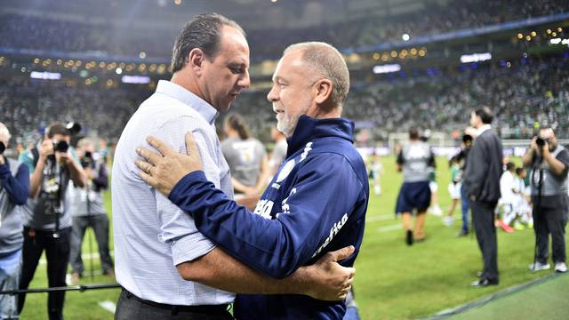Palmeiras x Cruzeiro - Mano Menezes e Rogério Ceni