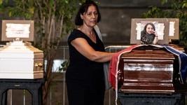 Itália: famílias boicotam funeral e culpam Estado (Marco Bertorello/AFP)