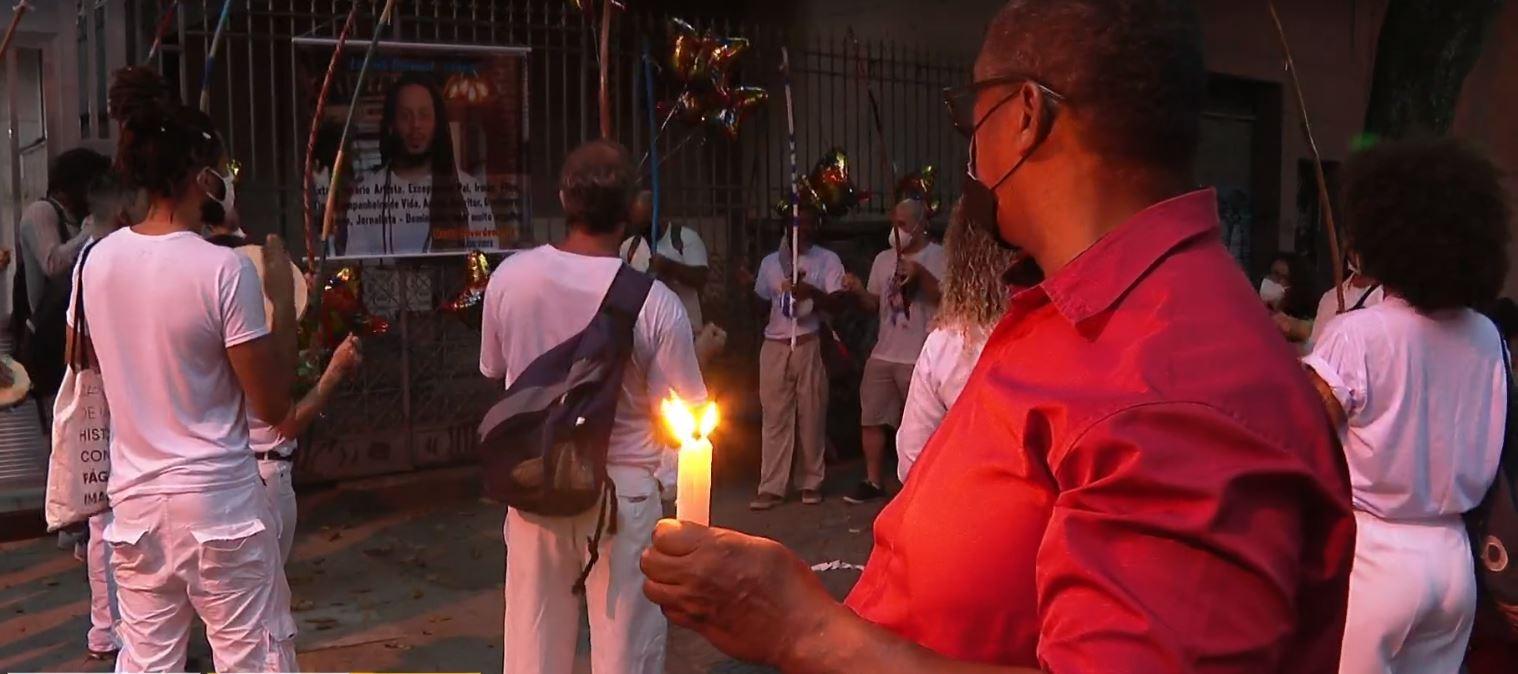 Amigos de escritor e capoeirista assassinado a tiros na Tijuca fazem protesto e pedem agilidade na investigação do crime