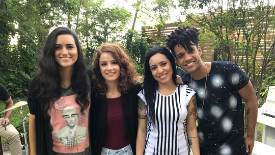 Finalistas do 'The Voice Brasil' participam do 'É de Casa' e aquecem a torcida para decisão do reality