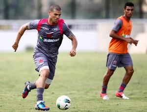 Rescisão de contrato de Nilton com  o Vasco é publicada pelo BID da CBF