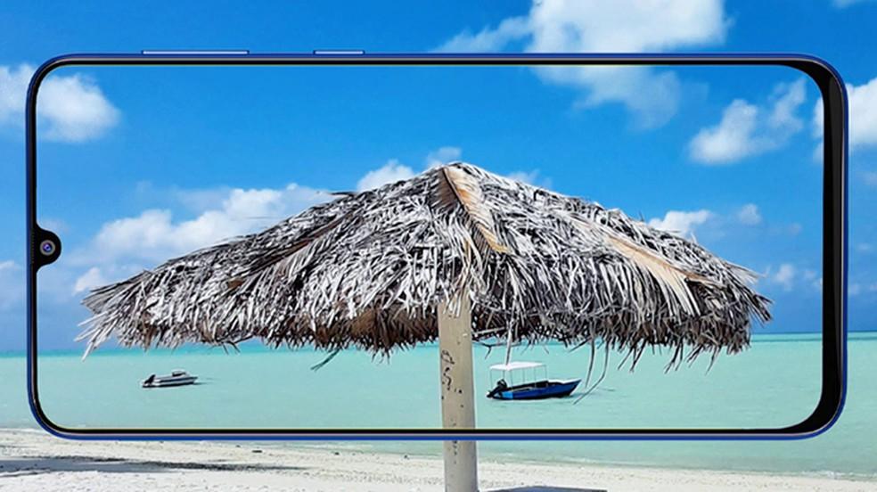 Tela mantém 6,4 polegadas, resolução Full HD+ e notch — Foto: Divulgação/Samsung