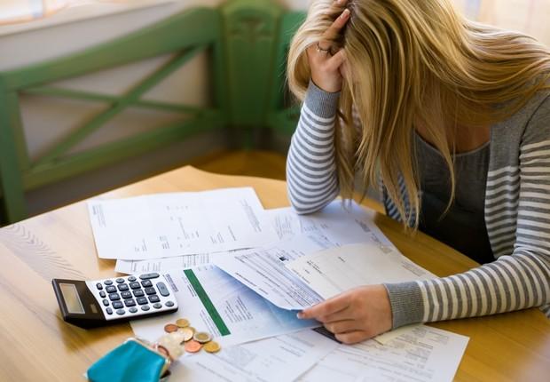 Inadimplência ; contas a pagar ; dívidas ; falência ;  (Foto: Shutterstock)