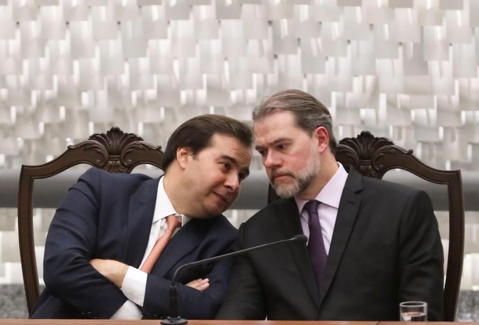 O presidente da Câmara, Rodrigo Maia (esq.), e o presidente do STF, Dias Toffoli (dir.) — Foto: Valter Campanato/Agência Brasil