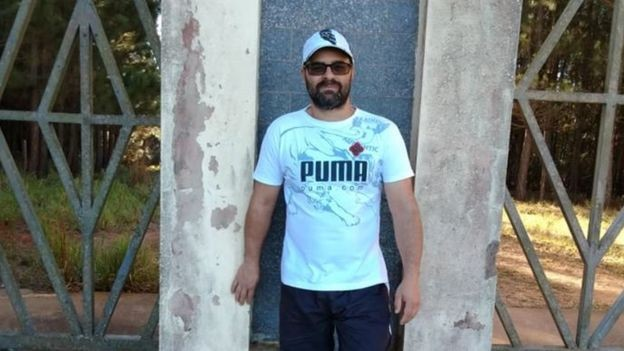 Anderson Rodrigo Reis diz que nunca mais conseguiu entrar em silos após sobreviver a acidente em silo (Foto: Arquivo pessoal via BBC News Brasil)